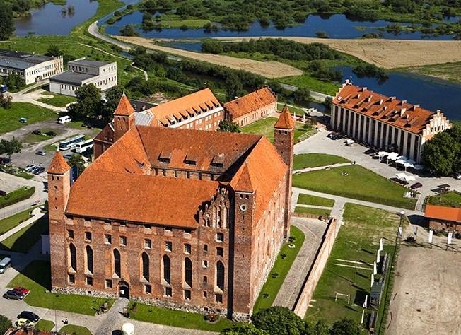 www.zamek-gniew.pl