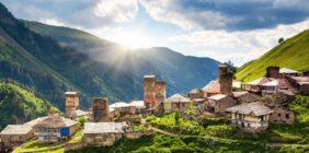 Gruzja – trekking, rafting i plażing!